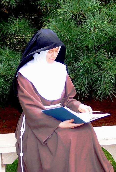 The Poor Clare Nun - A True Gift to God - St  Clare Heirloom